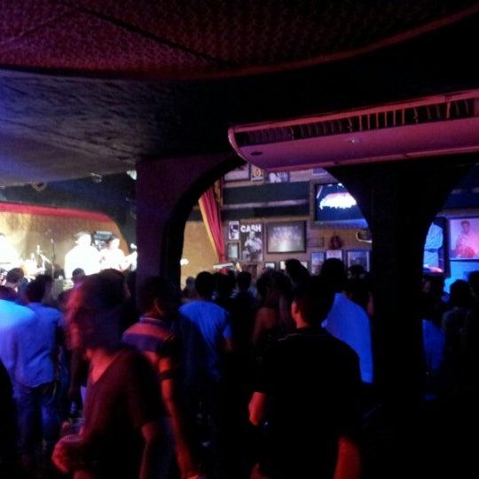 11/30/2012 tarihinde Lincoln S.ziyaretçi tarafından Bolshoi Pub'de çekilen fotoğraf
