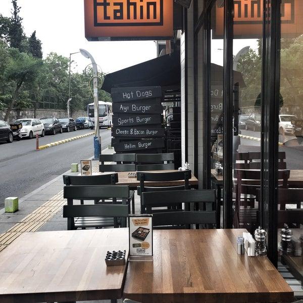 รูปภาพถ่ายที่ Tahin โดย Hafize Y. เมื่อ 7/14/2017
