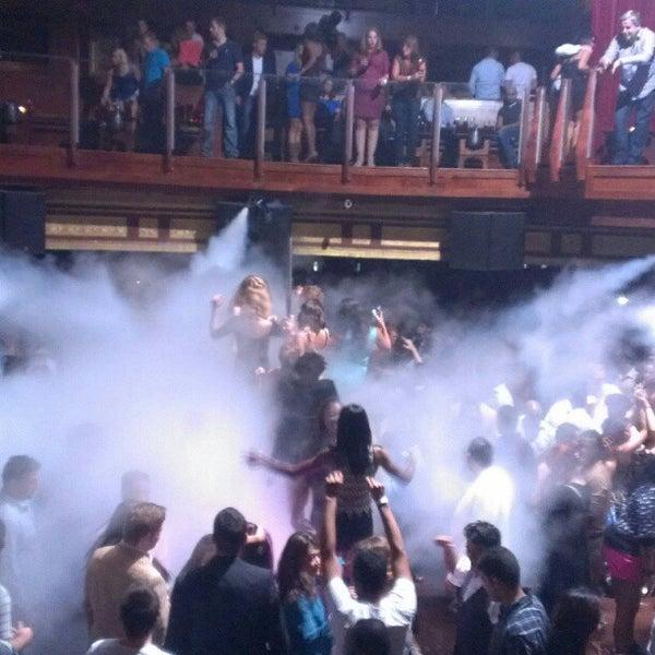 Photo prise au Opera Nightclub par Dancin' D. le10/7/2012