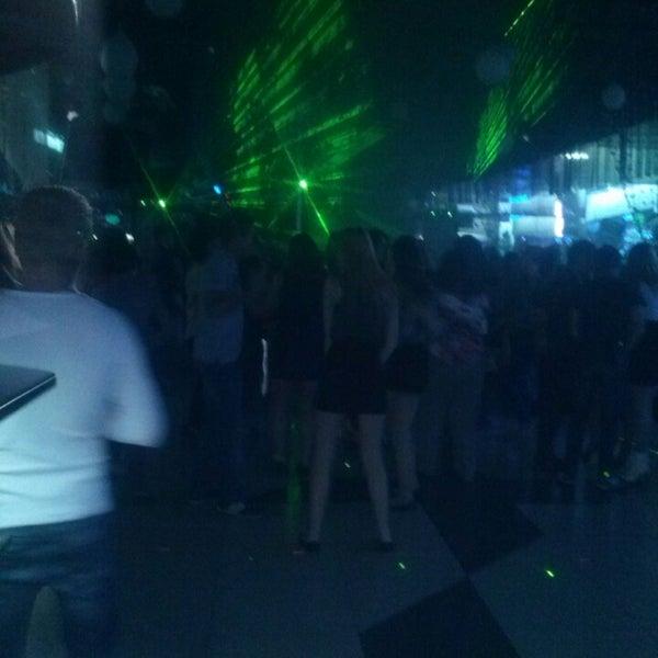 Фото с ночного клуба 2015 пропаганда клуб официальный сайт москва цены