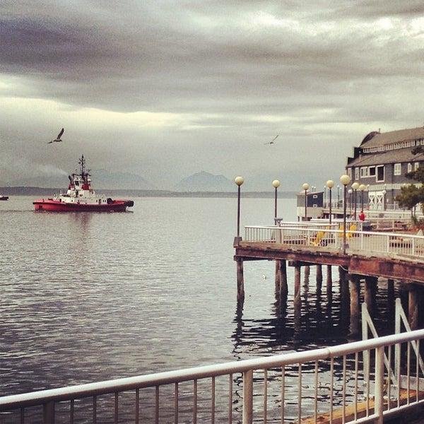 Das Foto wurde bei Waterfront Park von Zachary L. am 10/18/2012 aufgenommen