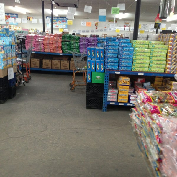 L & P Wholesale - Grocery Store in Chicago