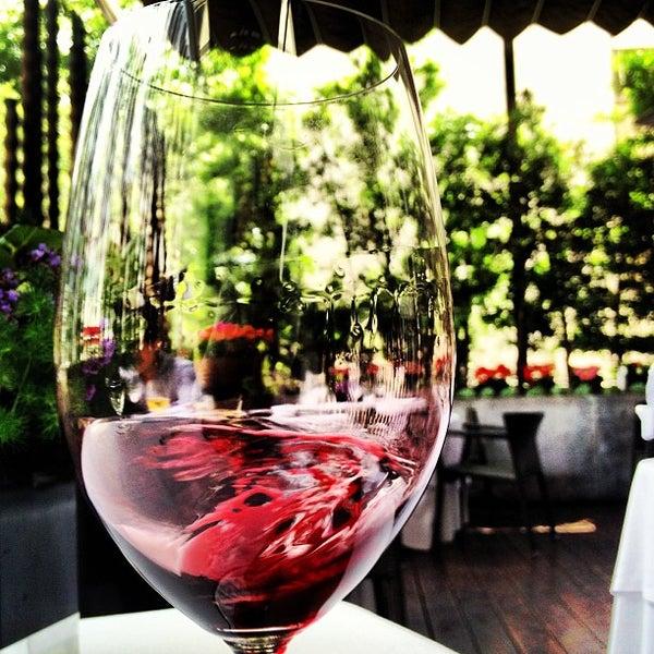 รูปภาพถ่ายที่ Jaso Restaurant โดย Generoso S. เมื่อ 6/28/2013