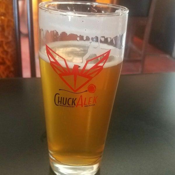Foto tomada en ChuckAlek Independent Brewers por Rex C. el 6/29/2018