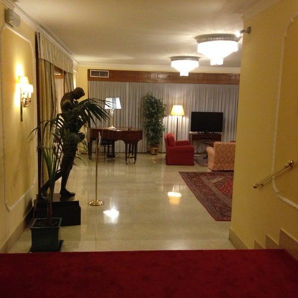 Foto tirada no(a) Hotel Napoleon Roma por Itai N. em 9/21/2013