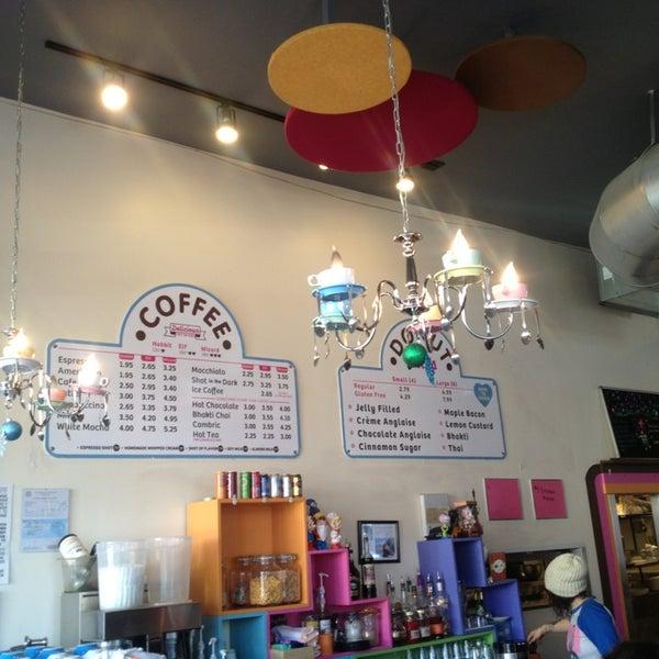รูปภาพถ่ายที่ Jelly Cafe โดย Tim J. เมื่อ 12/26/2012