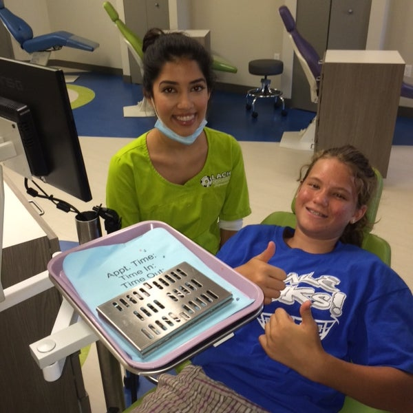 Foto tirada no(a) Lach Orthodontic Specialists por Lach Orthodontic Specialists em 11/25/2014