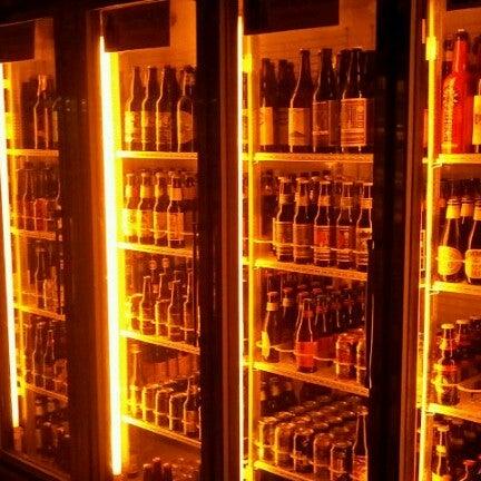 Das Foto wurde bei Alphabet City Beer Co. von Katie am 12/7/2012 aufgenommen