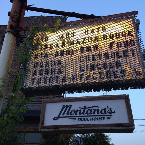 Foto scattata a Montana's Trail House da Katie il 7/31/2014