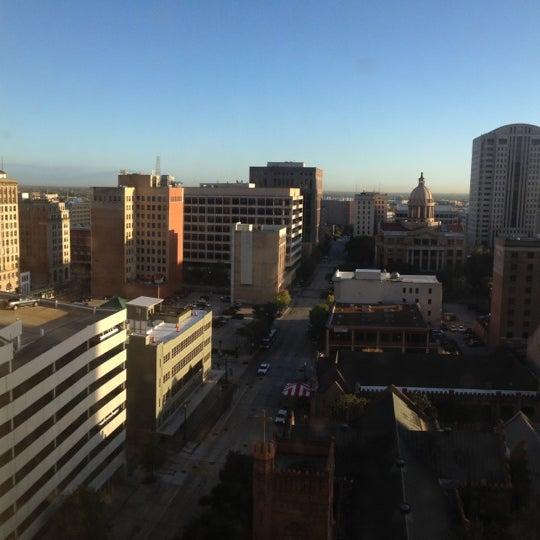 Снимок сделан в Magnolia Hotel пользователем Riefka D. 11/3/2012