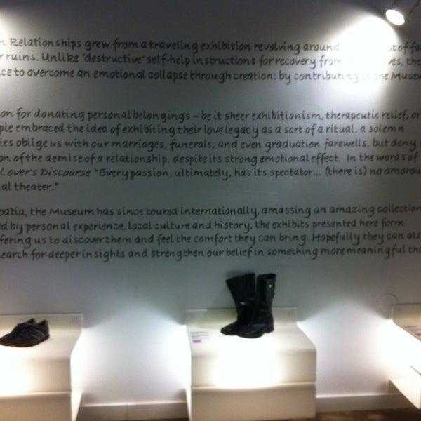 3/24/2013 tarihinde Esra O.ziyaretçi tarafından Muzej prekinutih veza | Museum of Broken Relationships'de çekilen fotoğraf