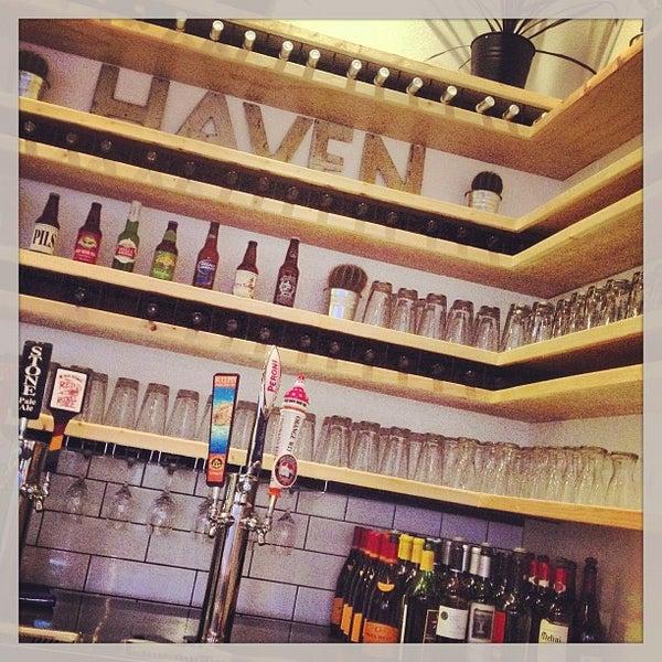 รูปภาพถ่ายที่ The Haven Pizzeria โดย Juan T. เมื่อ 5/2/2013