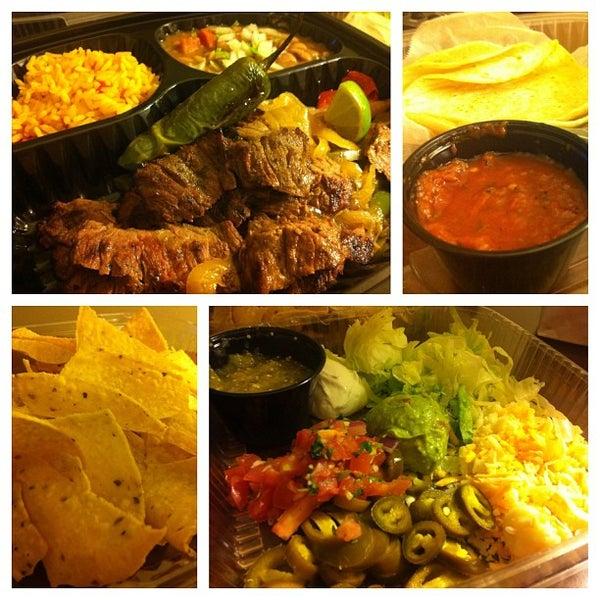 Foto scattata a Paco's Tacos & Tequila da T J. il 3/15/2013