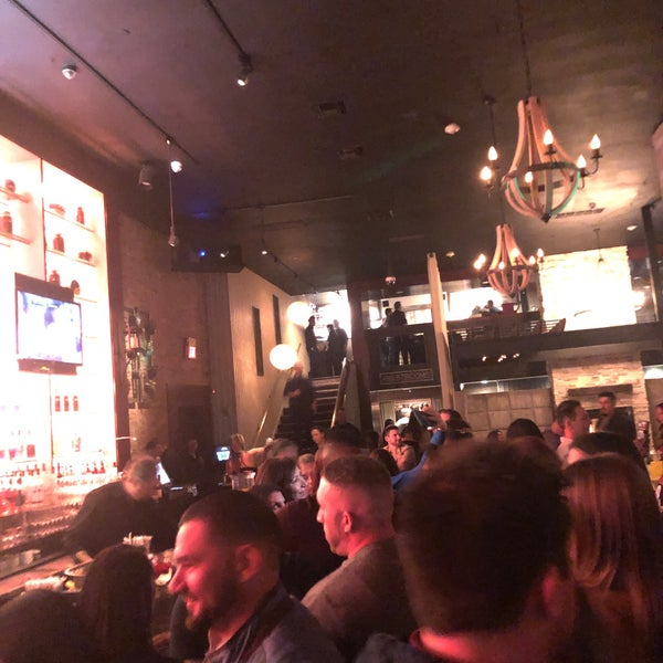 Photo prise au Honu Kitchen And Cocktails par Mike S. le3/1/2020