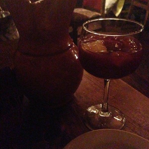 Foto scattata a Tasca Spanish Tapas Restaurant & Bar da Janette D. il 2/18/2013
