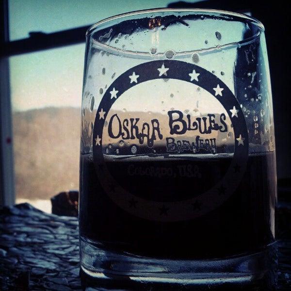 2/17/2013 tarihinde Joshziyaretçi tarafından Oskar Blues Brewery'de çekilen fotoğraf
