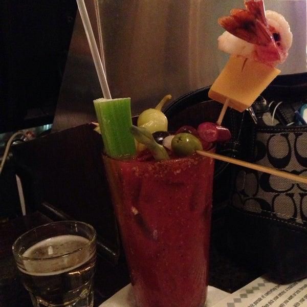 6/22/2013에 Chris 'Spike'님이 Ike's Food & Cocktails에서 찍은 사진