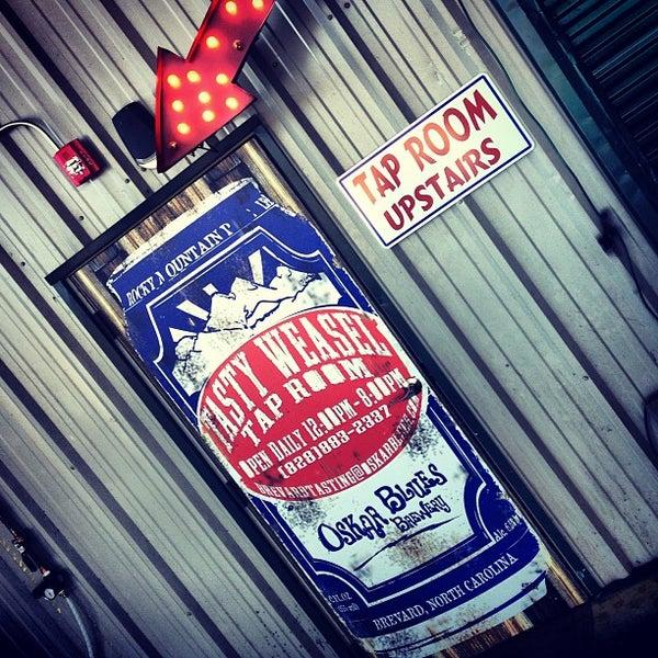2/17/2013 tarihinde Justin H.ziyaretçi tarafından Oskar Blues Brewery'de çekilen fotoğraf