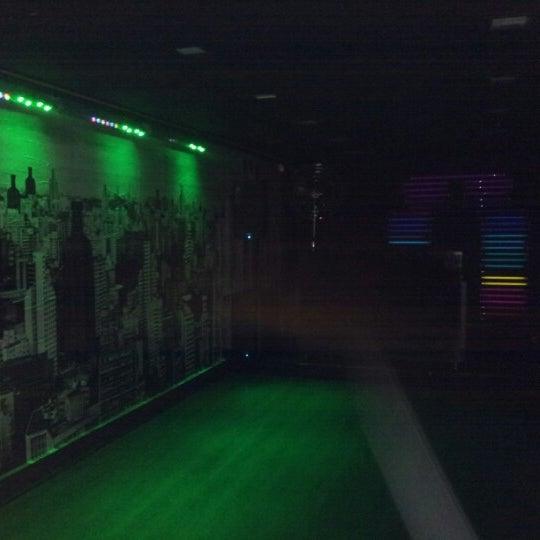 Photo prise au Absolut Inn par Oriol S. le12/16/2012