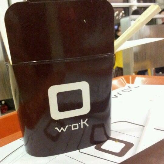 รูปภาพถ่ายที่ WOK Chile โดย Oscar B. เมื่อ 10/27/2012