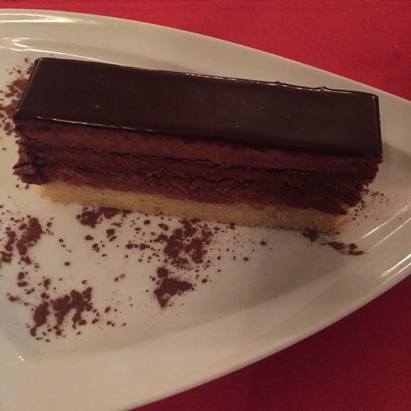 O bife, o melhor prego de Lisboa e a sobremesa carrè de chocolate!