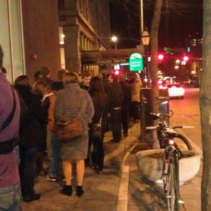 12/13/2012 tarihinde Jaci V.ziyaretçi tarafından Comedy Works Downtown in Larimer Square'de çekilen fotoğraf