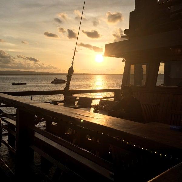 Bagus tempatnya, sayang makanannya indonesia gitu jadinya biasa aja di lidah. Kelebihannya prasmanan dan viewnya keren berlayar dengan banyak hiburan yang menarik