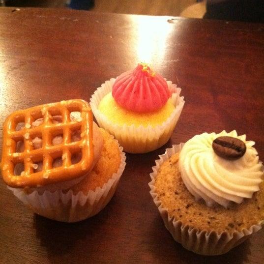 รูปภาพถ่ายที่ Prohibition Bakery โดย Vania K. เมื่อ 10/11/2012