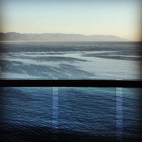 Foto tomada en Sunset Plaza Beach Resort & Spa por Matthew H. el 3/17/2013