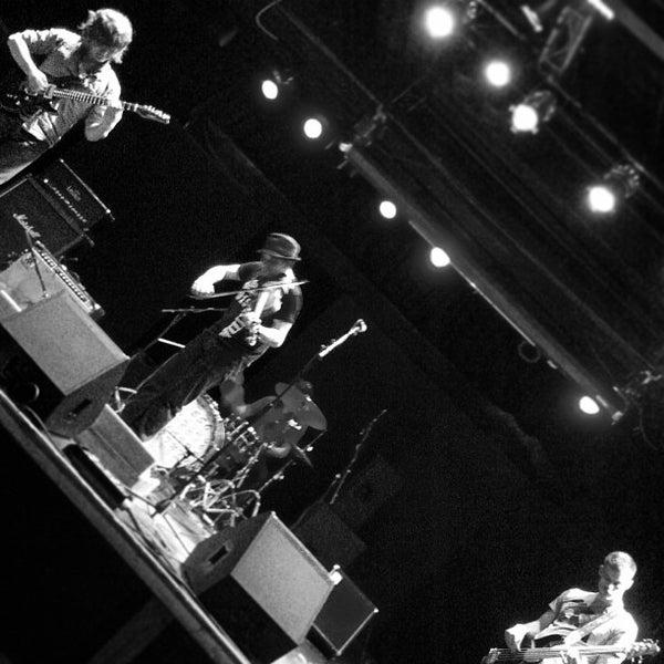 Foto diambil di Amsterdam Bar & Hall oleh Greg B. pada 4/19/2013