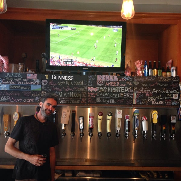 Photo prise au The Commons Ale House par Eric J. le7/25/2015