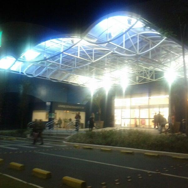 Foto tirada no(a) Floripa Shopping por Paulo C. em 6/7/2013