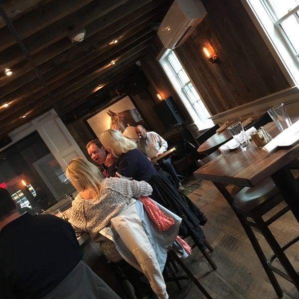 10/9/2016에 bill h.님이 The Spotted Horse Tavern에서 찍은 사진