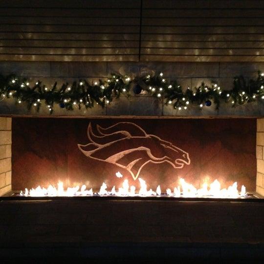 Foto diambil di Broncos Stadium at Mile High oleh Evelyn pada 12/13/2012