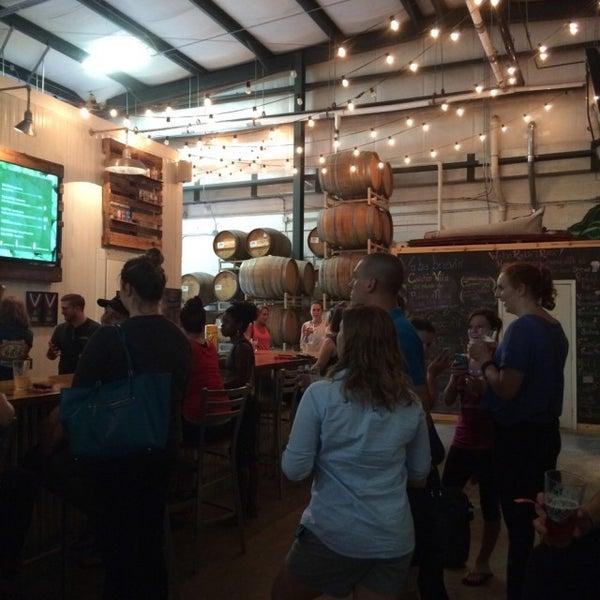Das Foto wurde bei Southbound Brewing Company von Karli L. am 9/19/2015 aufgenommen