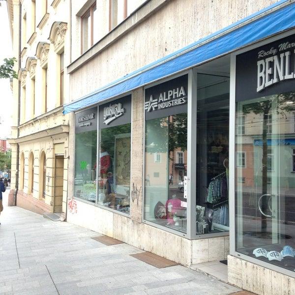 premium selection 4afe6 2e0ce Streetwear shop - Staré Mesto - 8 visitors