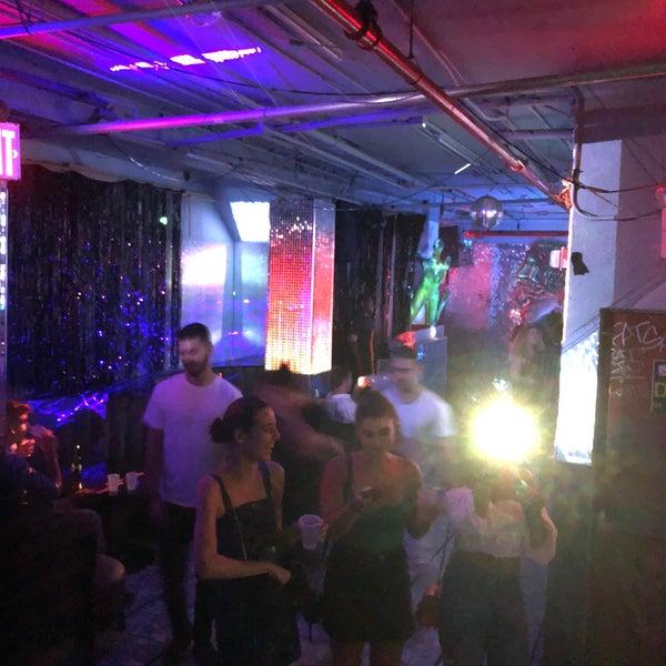 Photo prise au Mehanata Bulgarian Bar par Laurence H. le8/18/2019