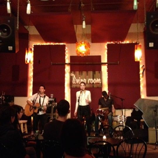 Снимок сделан в The Living Room пользователем Mor M. 10/21/2012