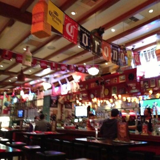 1/12/2013에 Troy P.님이 Hussong's Cantina Las Vegas에서 찍은 사진