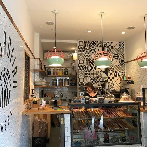 รูปภาพถ่ายที่ Brigadeiro Bakery โดย Stephanie P. เมื่อ 4/1/2017