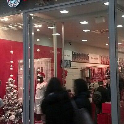 meet 104c7 87577 Photos at FC Bayern Fan Shop - Neue Mitte - Oberhausen ...
