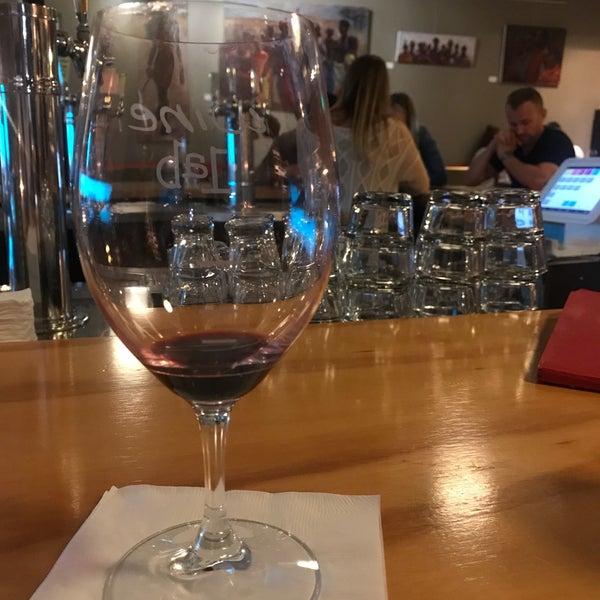 Foto diambil di Wine Lab oleh Jung Uk pada 11/7/2017