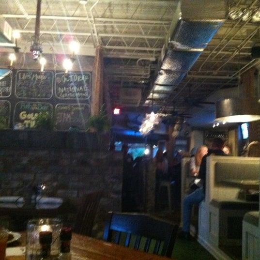 Foto tirada no(a) The Big Ketch Saltwater Grill por Stefany O. em 10/19/2012
