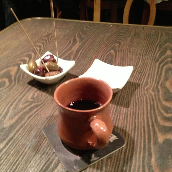 รูปภาพถ่ายที่ Sardunya's Brasserie Bomonti ve Şarap Evi โดย Ceren เมื่อ 12/22/2012