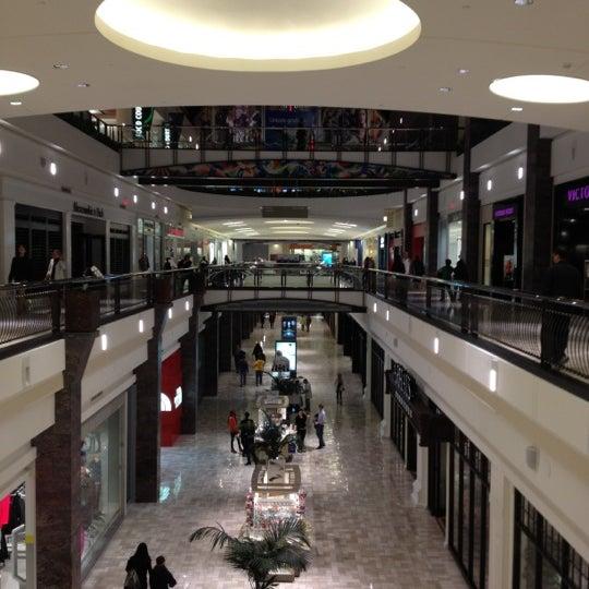 11/9/2012 tarihinde EnriKe K.ziyaretçi tarafından Tysons Corner Center'de çekilen fotoğraf