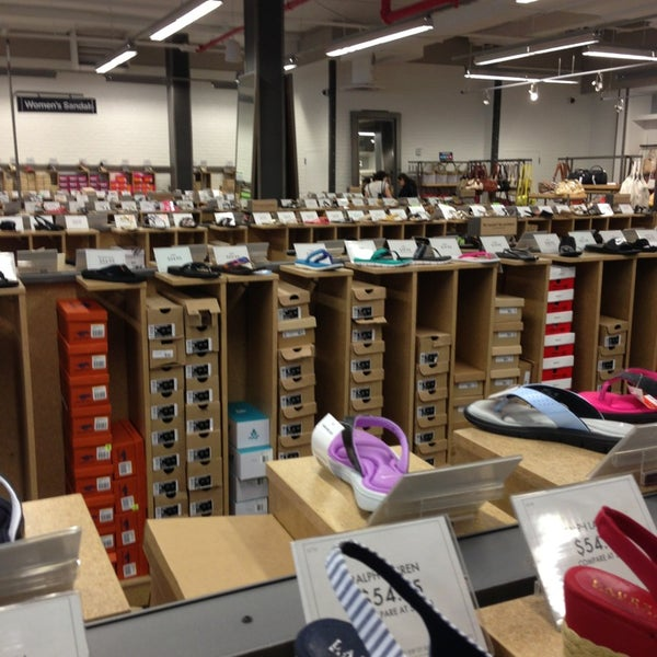 DSW Designer Shoe Warehouse - Upper