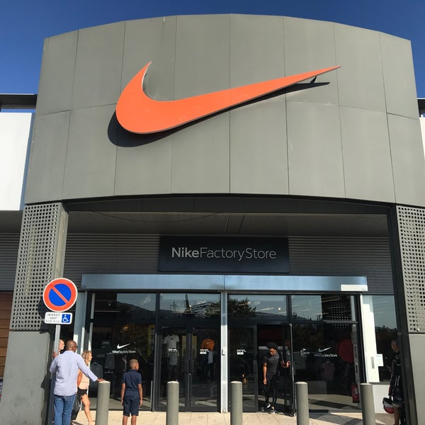new images of cheap for discount brand new Nike Factory Store - La Valentine - Marseille, Provence ...