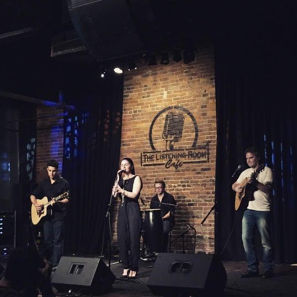 Foto scattata a The Listening Room Cafe da Katie G. il 7/10/2015
