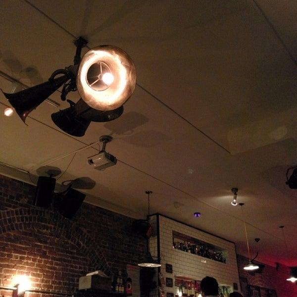 4/10/2014にOwen I.がTrophy Barで撮った写真