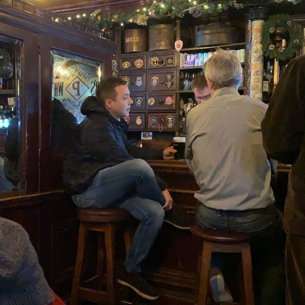 Foto diambil di Toners Pub oleh Peter B. pada 12/18/2019
